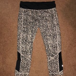 Lululemon size 8 workout pants